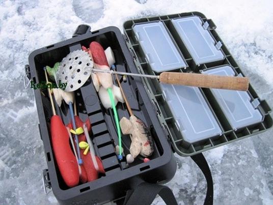 Как сделать ящик для летней рыбалки  видео